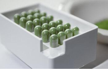 Mitragynine and 7-hydroxymitragynine Compared